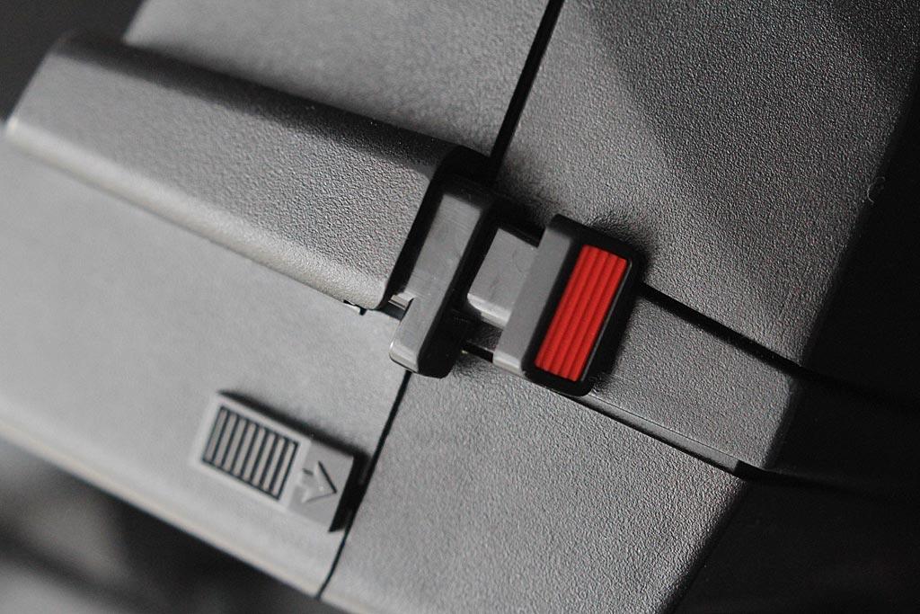 Polaroid 660 AF : le déclencheur double