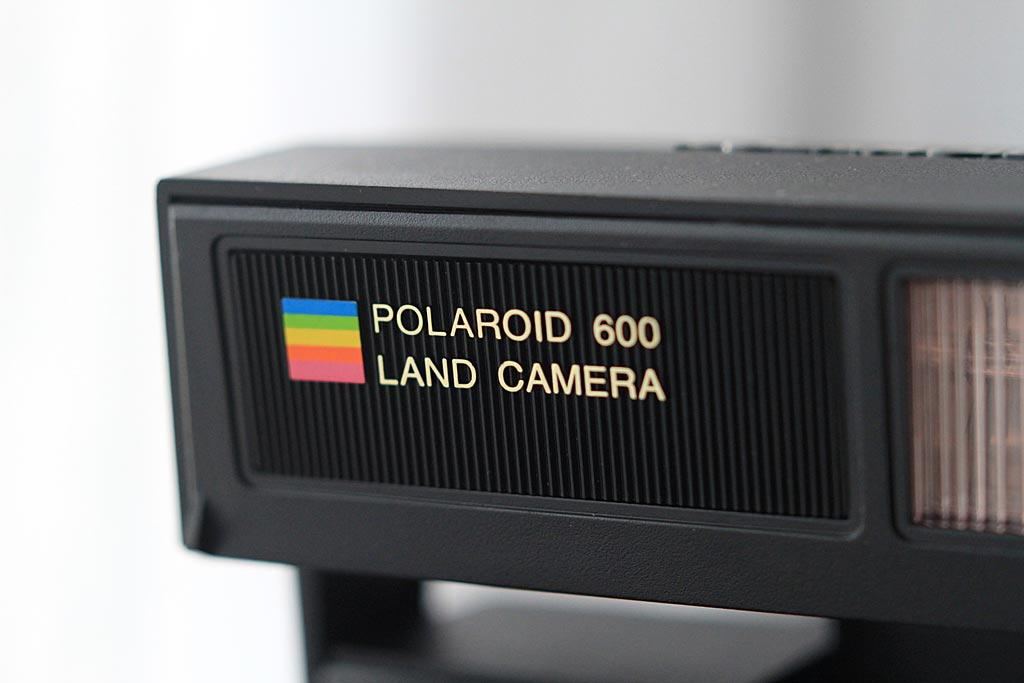 Polaroid 660 AF : signature Polaroid