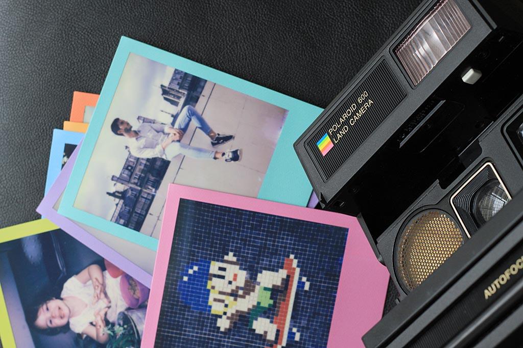Polaroid 660 AF : bouton de débrayage de la mise au point