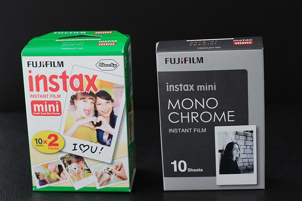 Une sacrée différence de traitement entre les packaging des films couleur et monochrome.