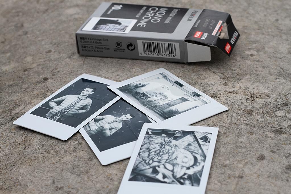 L'instantané Noir et Blanc Instax Mini est capable de délivrer de très beaux contrastes.