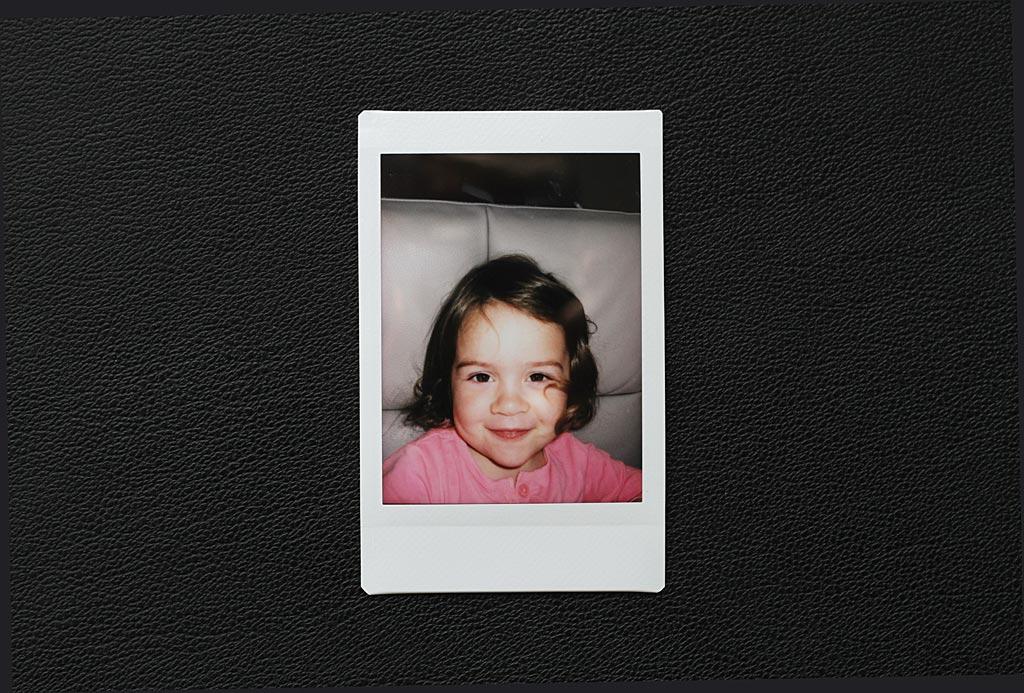 Avec ses modes Macro et Selfie, l'Instax Mini 70 délivre des images bien nettes sur de courtes distances.