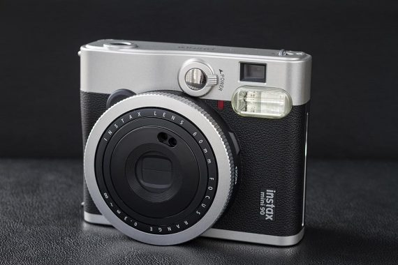 Appareil Instax Mini 90 Neo Classic de Fujifilm