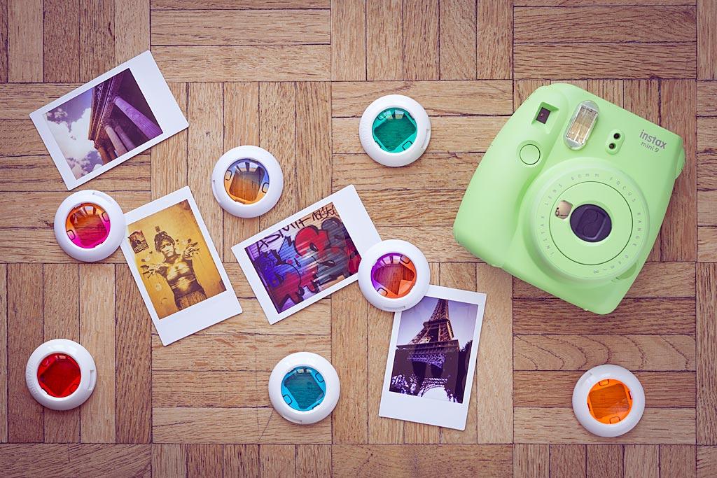 Les filtres de couleur, qui permettent de donner des effets créatifs aux images et fonctionnaient déjà avec le modèle précédent, peuvent être utilisés avec l'Instax Mini 9.