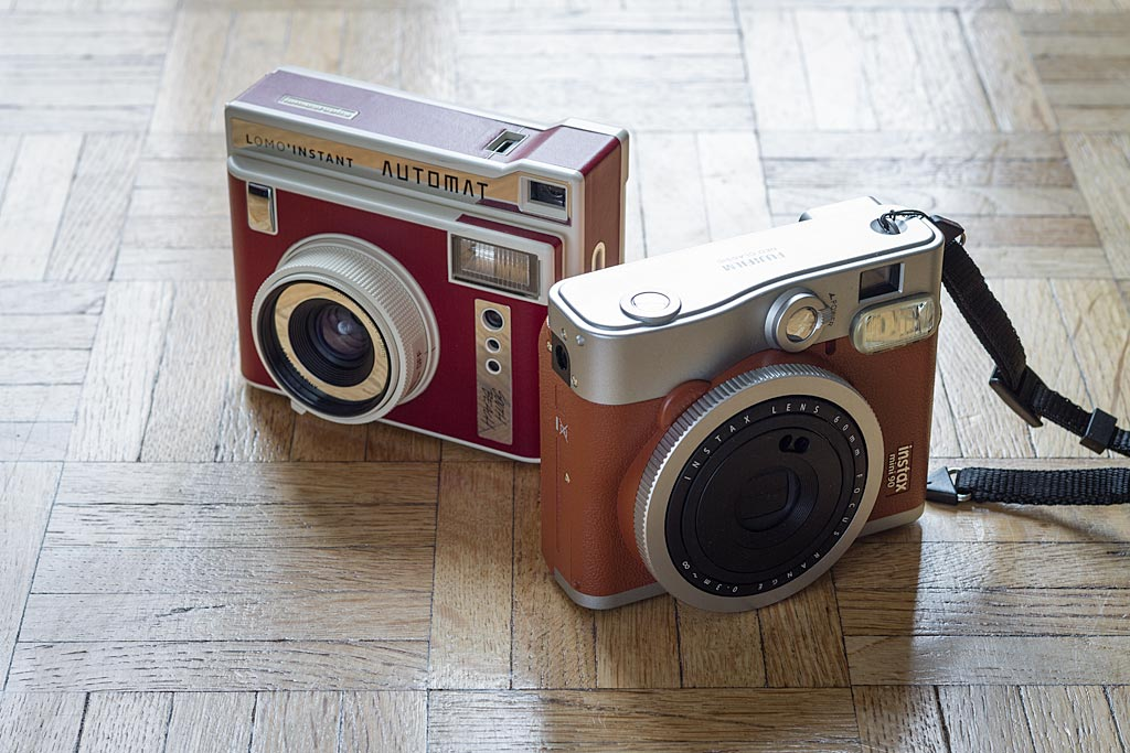 The Lomography Instant Lomo Instant Automat has little to envy from the Fujifilm Instax Mini 90 Neo Classic