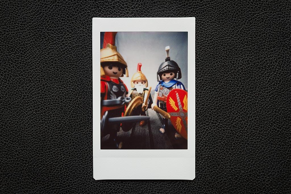 Le Lomo'Instant Automat Glass de Lomography dispose d'une lentille macro pour des photos nettes à 10 cm ! De nouvelles perspectives s'offrent à vous.