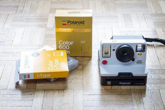 Polaroid OneStep2 et cartouches de films Polaroid Originals