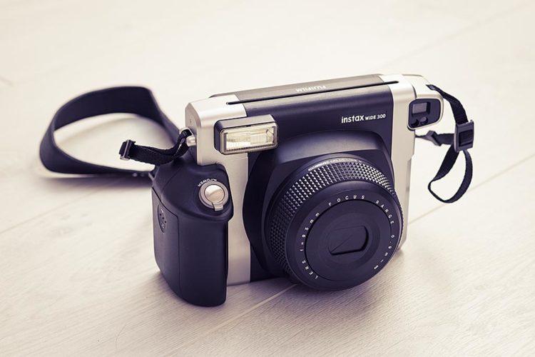 d333fbd72 Appareil photo instantané Instax Wide 300 de Fujifilm