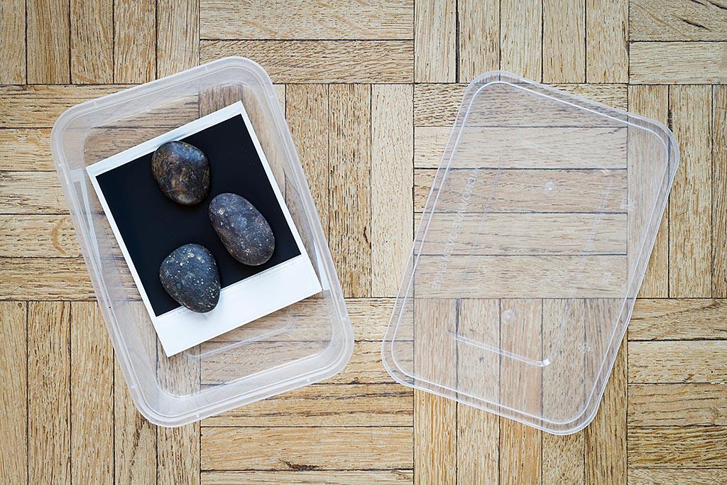 Ces petits galets seront parfaits pour maintenir le polaroid au fond de l'eau.